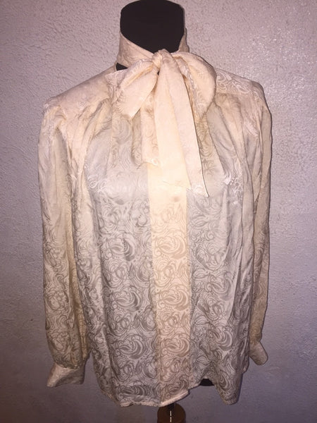 Oleg Cassini neck tie top tag 10