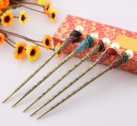 Cultured Pearl Hair Stick: Style HS1