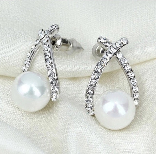 Earrings Silver Lining With Pearl in the Middle - Classy Pink Boutique