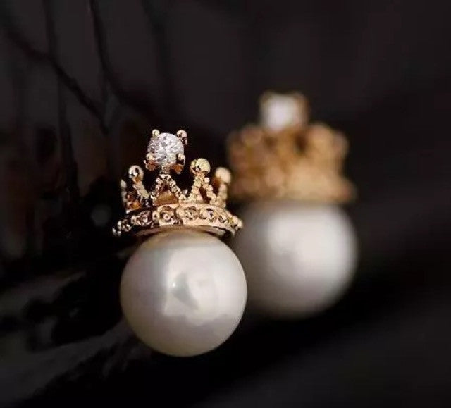 Crown pearl earrings - Classy Pink Boutique