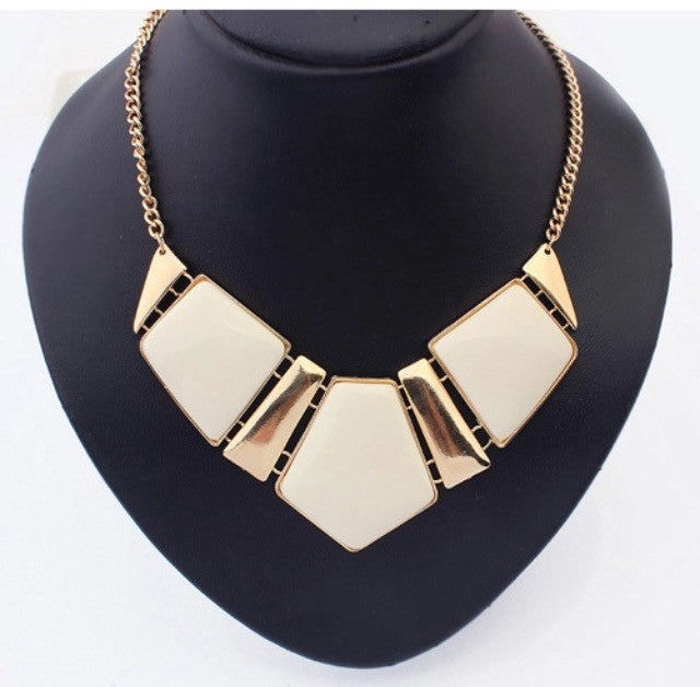 Gold sparkles necklace