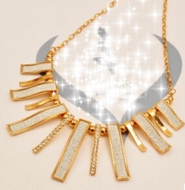 Fashion Necklace Gold & White - Classy Pink Boutique