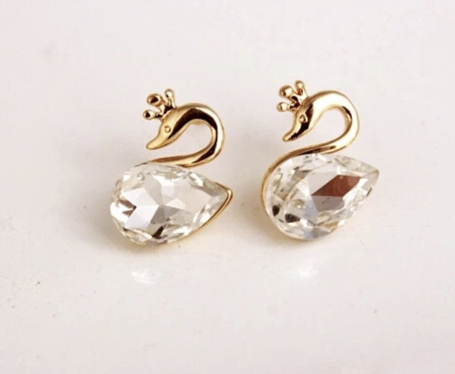 Queen swan earrings with crystal