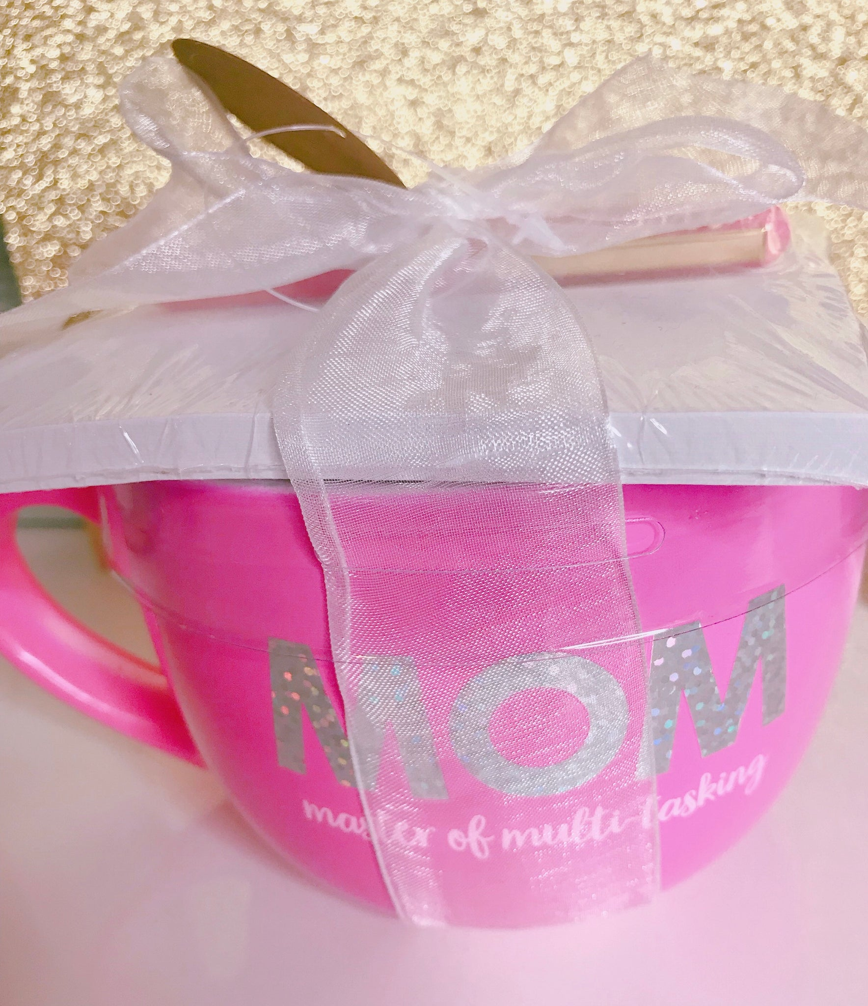 Hot pink mom mug set with notepad and pen