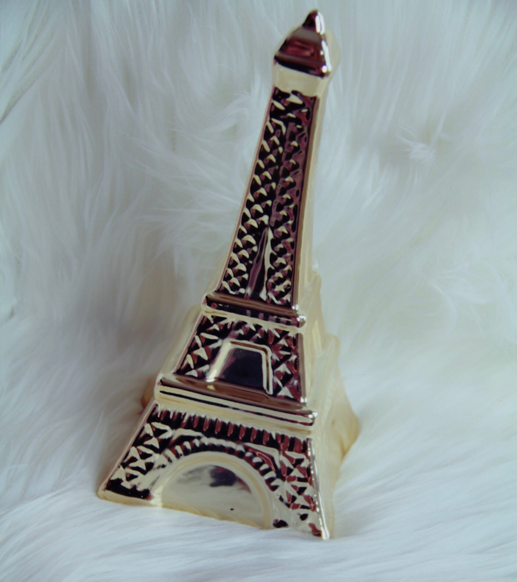 Gold Eiffle Tower