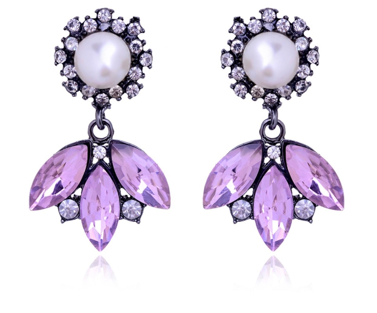 Lilac crystal & pearl earrings