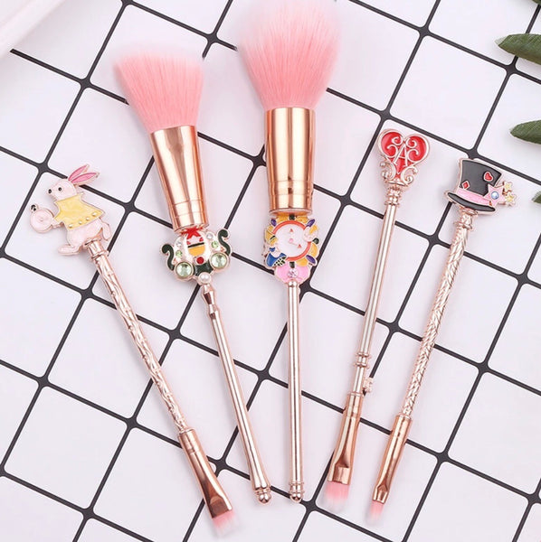 Alise in Wonderland brush set