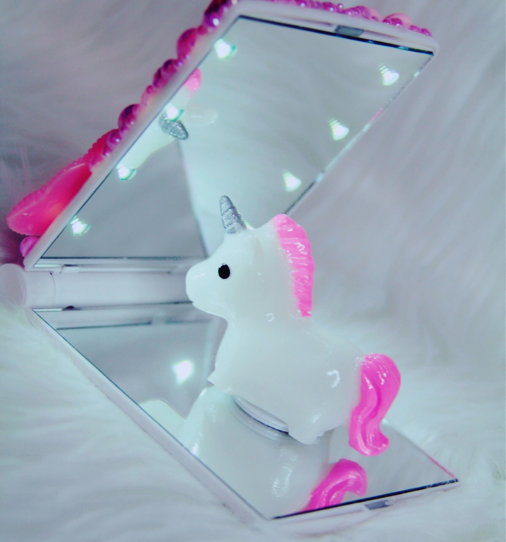 Fairytale light up mirror - Classy Pink Boutique