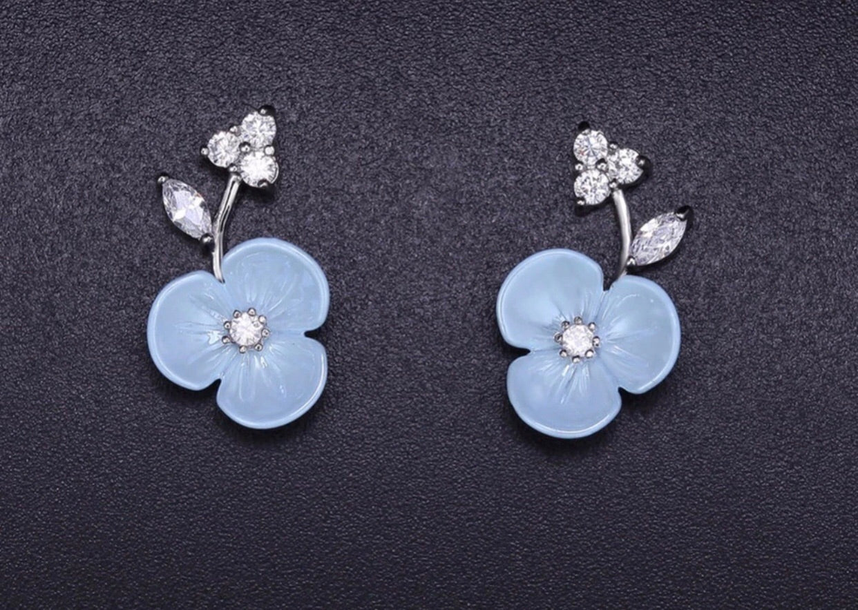 Baby blue flower earrings - Classy Pink Boutique