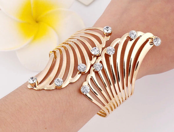 Fashion bangle bracelet with crystals