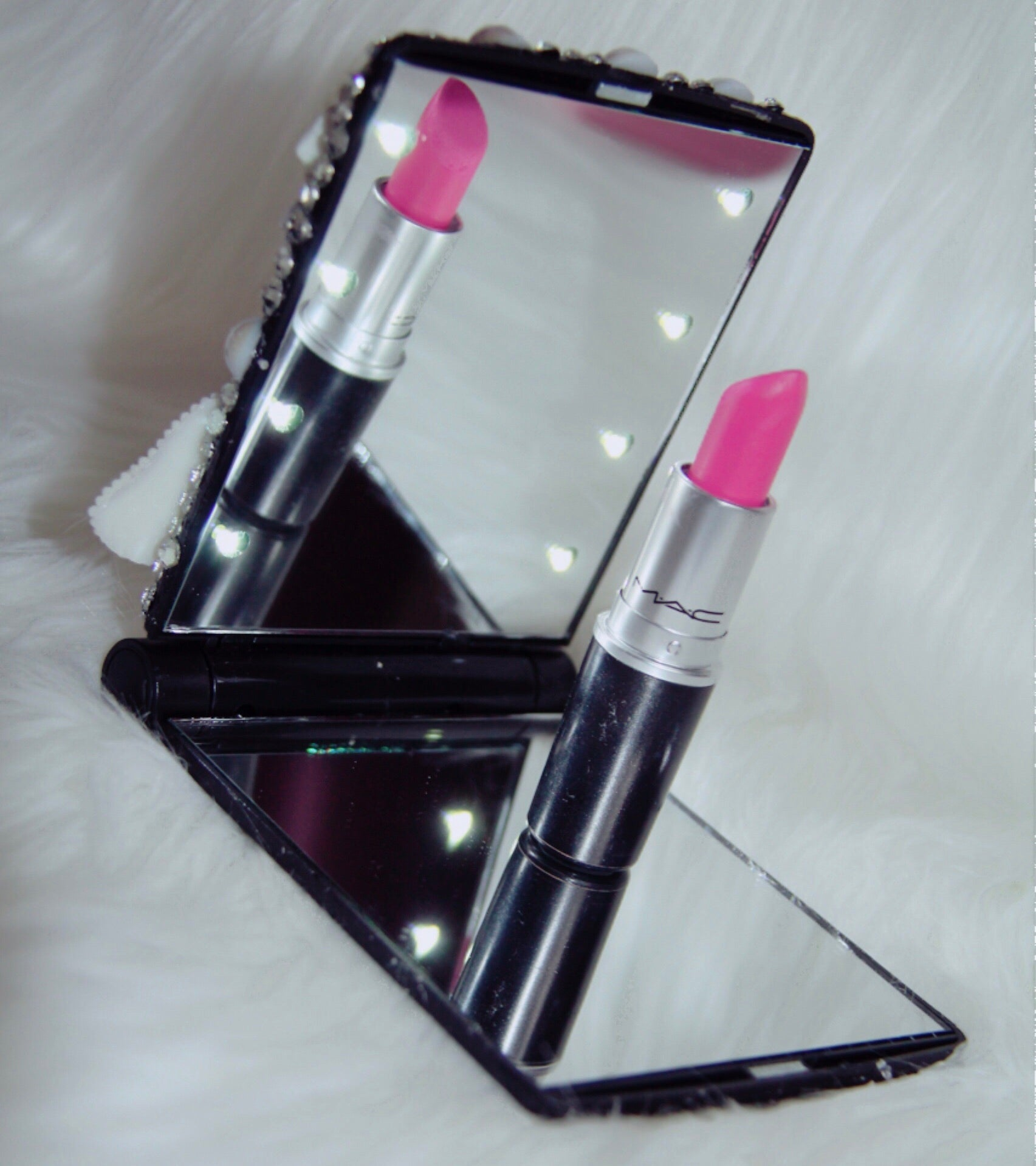 Marylin Monroe lipstick light up mirror