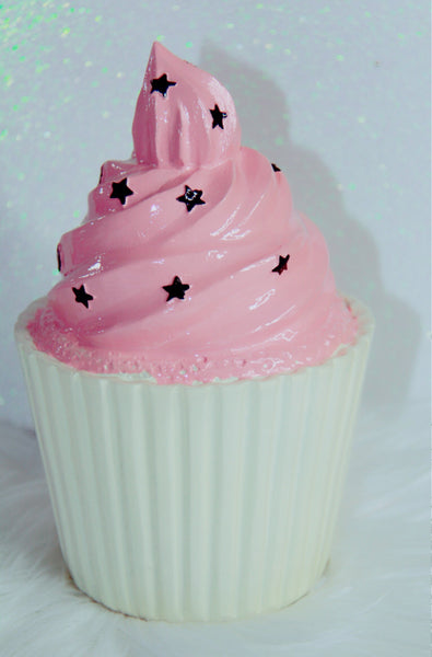 Star and pink frosting decor cupcake
