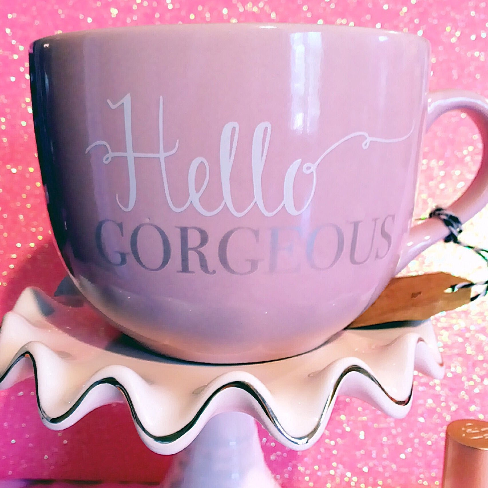 Hello Gorgeous Pink mug with GOLD writing
