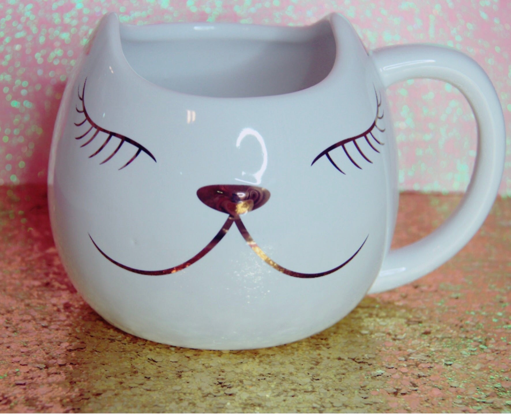 White cat mug with gold foil face (eyes,nose, lips)