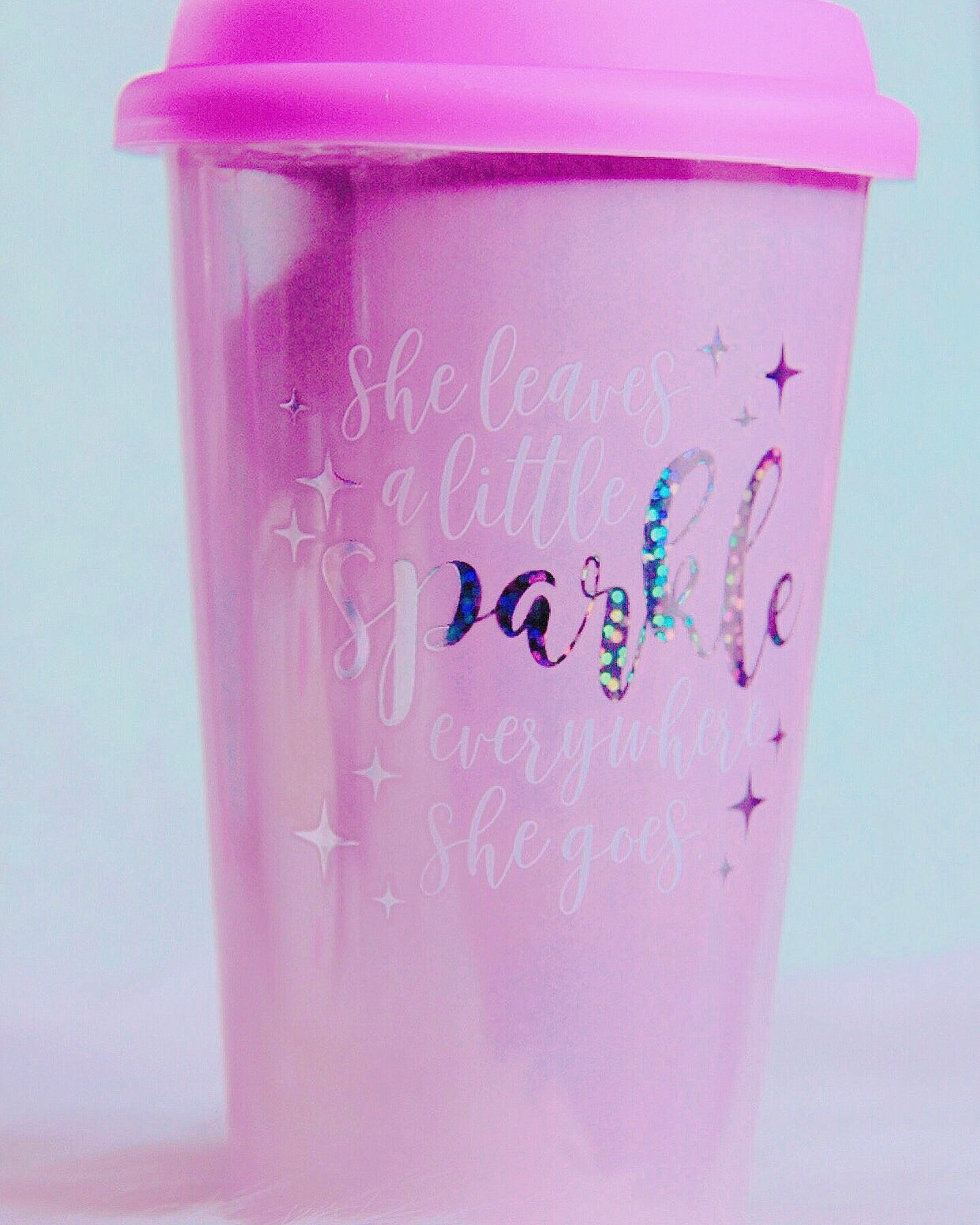 """She leaves a little sparkle whever you go"" mug on the go"
