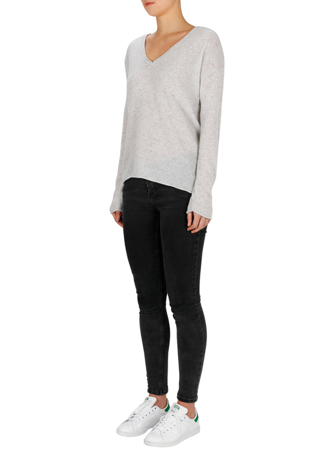 Superluxe Self Roll V-Neck-Grey Marle