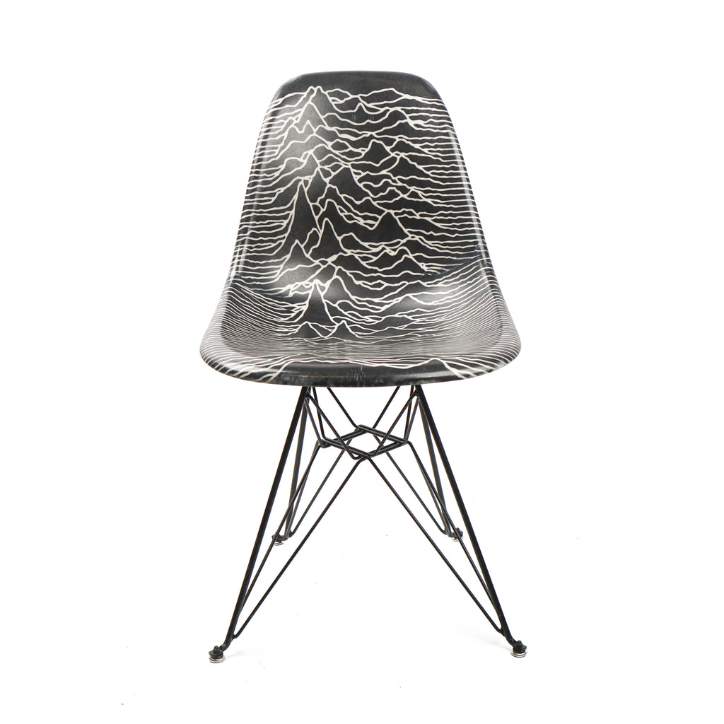 "UNKNOWN PLEASURES MODERNICA CHAIR ""BLACK"""