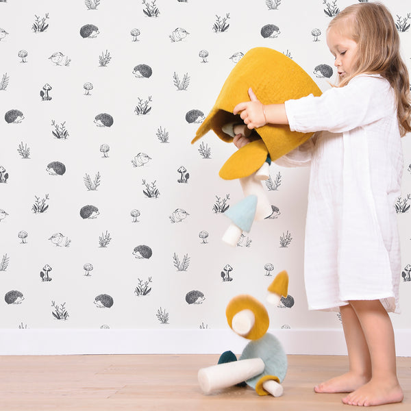 Lilipinso Wallpaper with banana leaves and jungle animals