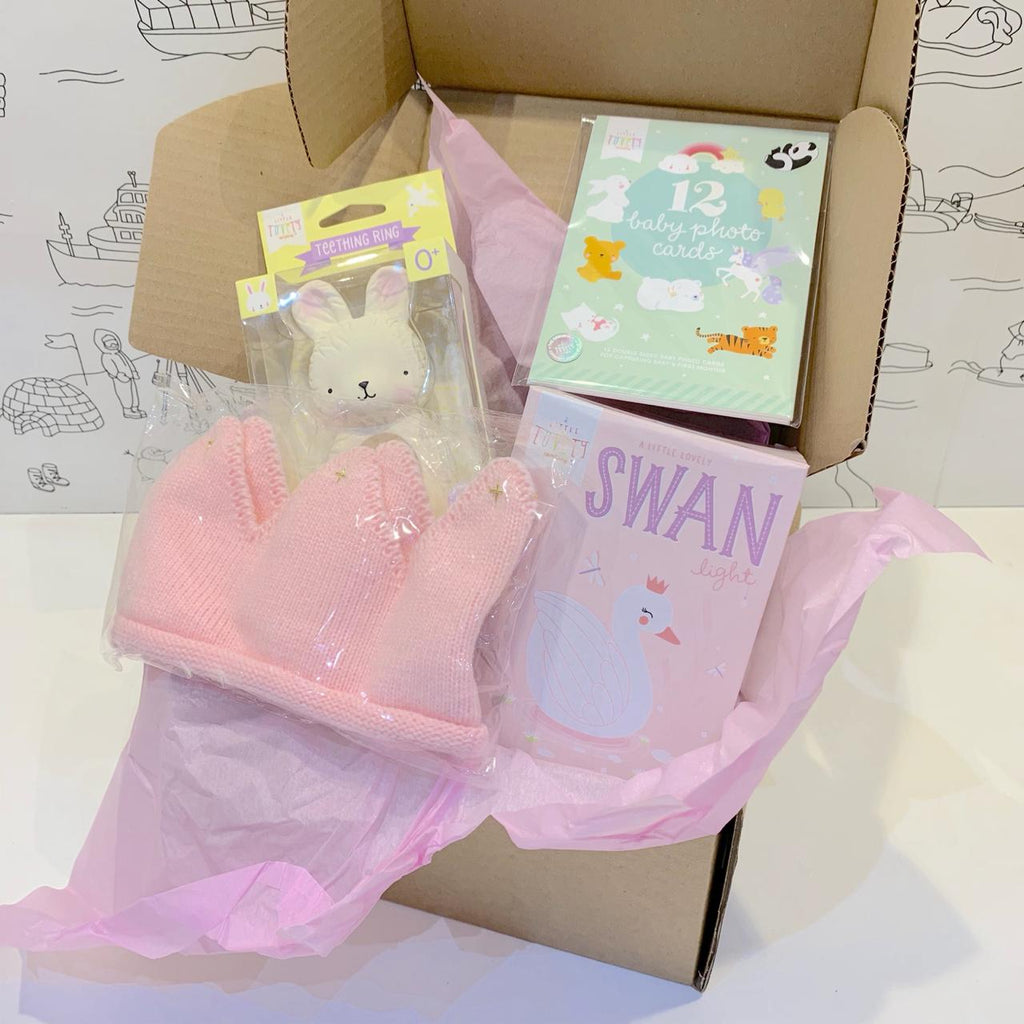 Baby<br/> gift box <br/> Welcome little girl