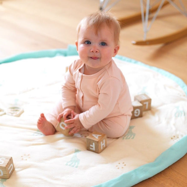 Playmat and <br/> Storage Bag <br/> Sophie La Girafe