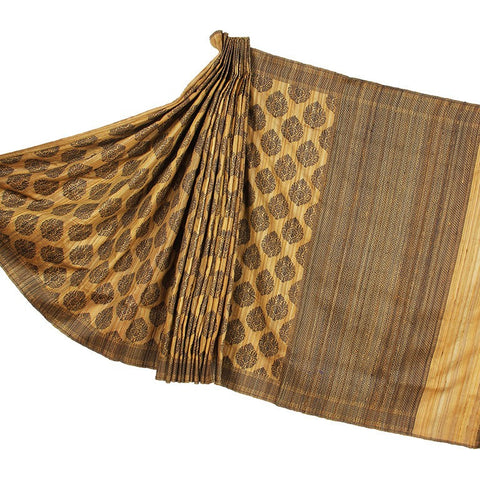 Beige Raw Silk Banarasi Silk Saree with stylized boota