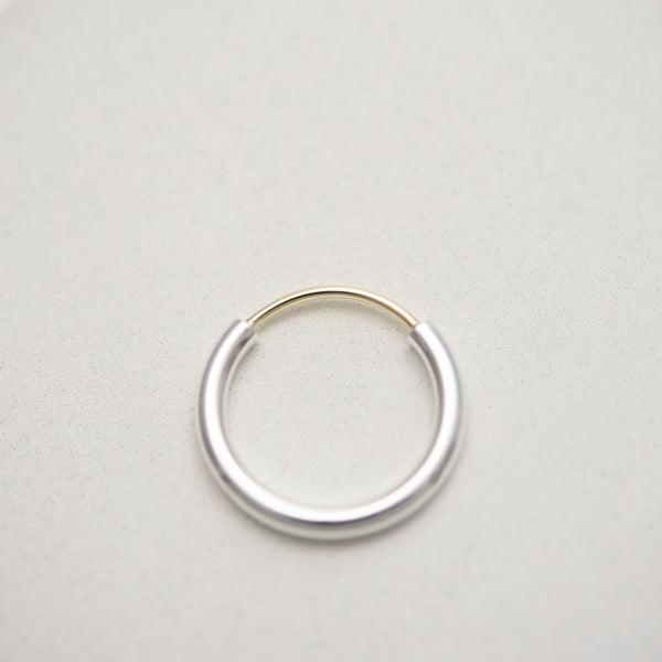 Contemporary engagement ring by AgJc