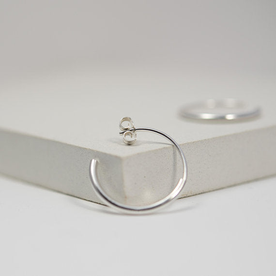Silver hoop earrings medium – Les Cylindriques N°11