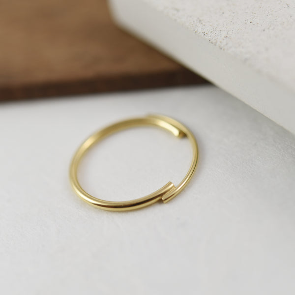 Thin 22K Gold Filled Ring Featuring Interlocking Circle Arcs n°7 AgJc -7