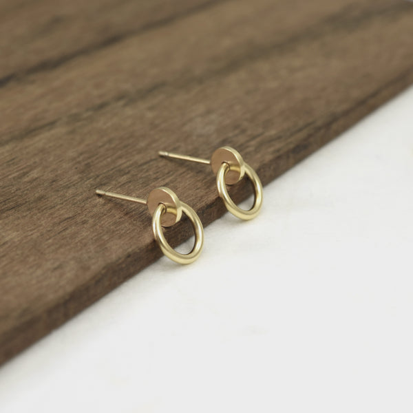 The beauty of these geometric earrings by AgJc
