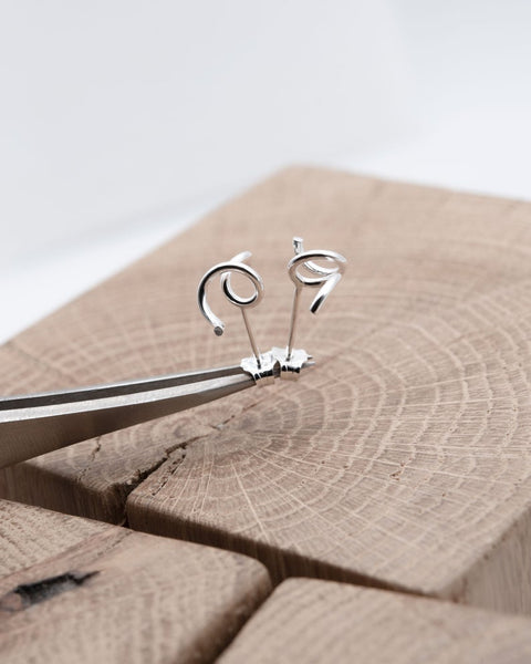 Twisted earring in Silver | Abstract stud N°1
