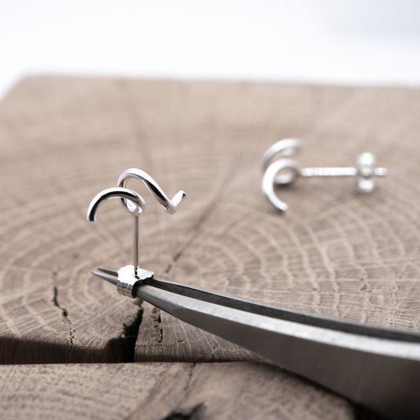 Twisted earring in Silver | Abstract stud