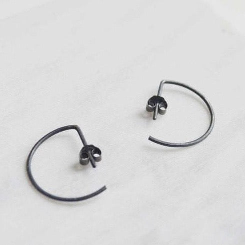 Black line hoop earrings N°7 AgJc Oxidized - 1