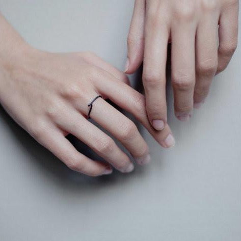 Minimalist twisted ring N°8 AgJc  - 1