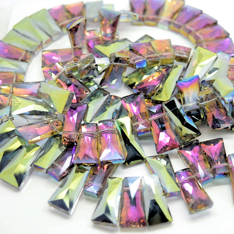 STAR BEADS: 10 x Pyramid Faceted Glass Beads 20x7x11mm - Grey / Metallic Green - Pyramid Beads