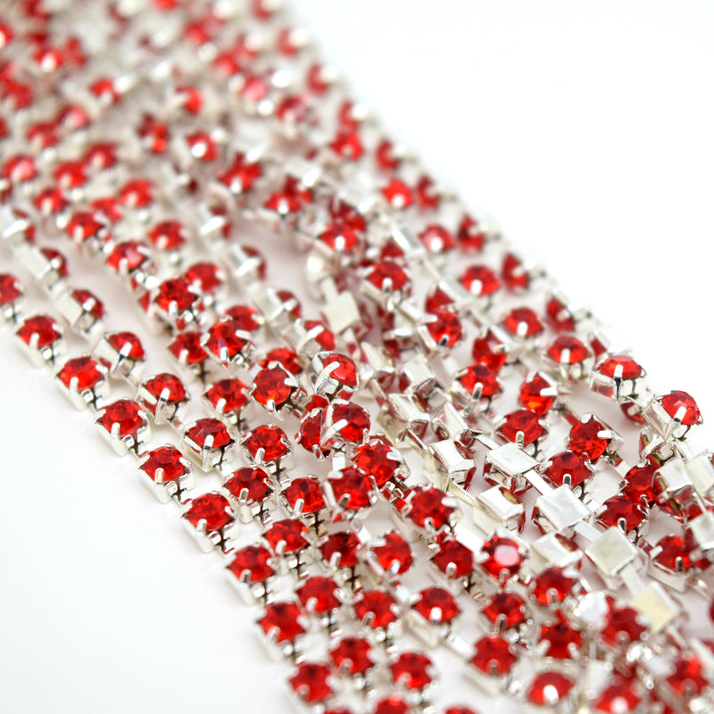 STAR BEADS: 1m Rhinestone Chains 2.80-3mm - Light Siam / Silver Plated - RHINESTONE CHAIN