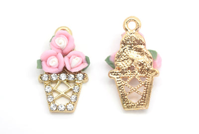 STAR BEADS: 4 X POLYMER CLAY ALLOY PENDANT CHARMS - FLOWER 22X12MM - Alloy Beads