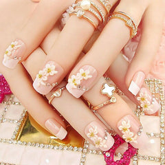 Nails Art - Prom Fashion