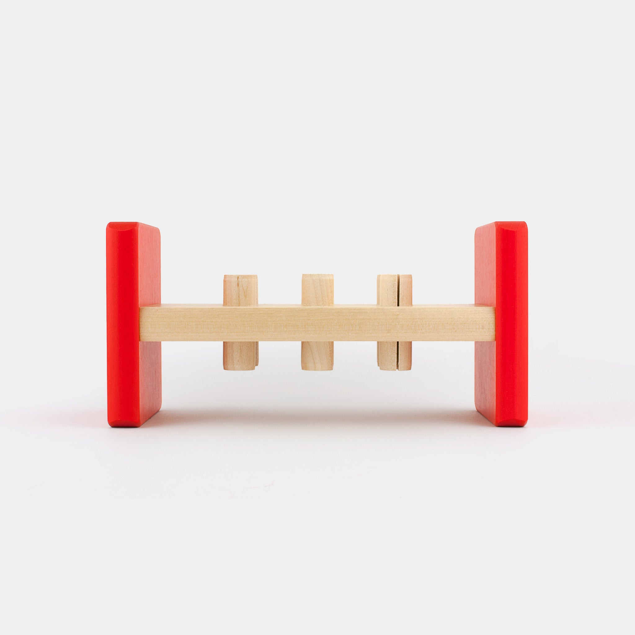 The classic birch wood hammer toy, painted with non-toxic paint; Hakka is designed in the 1970s and helps children develop motor skills.