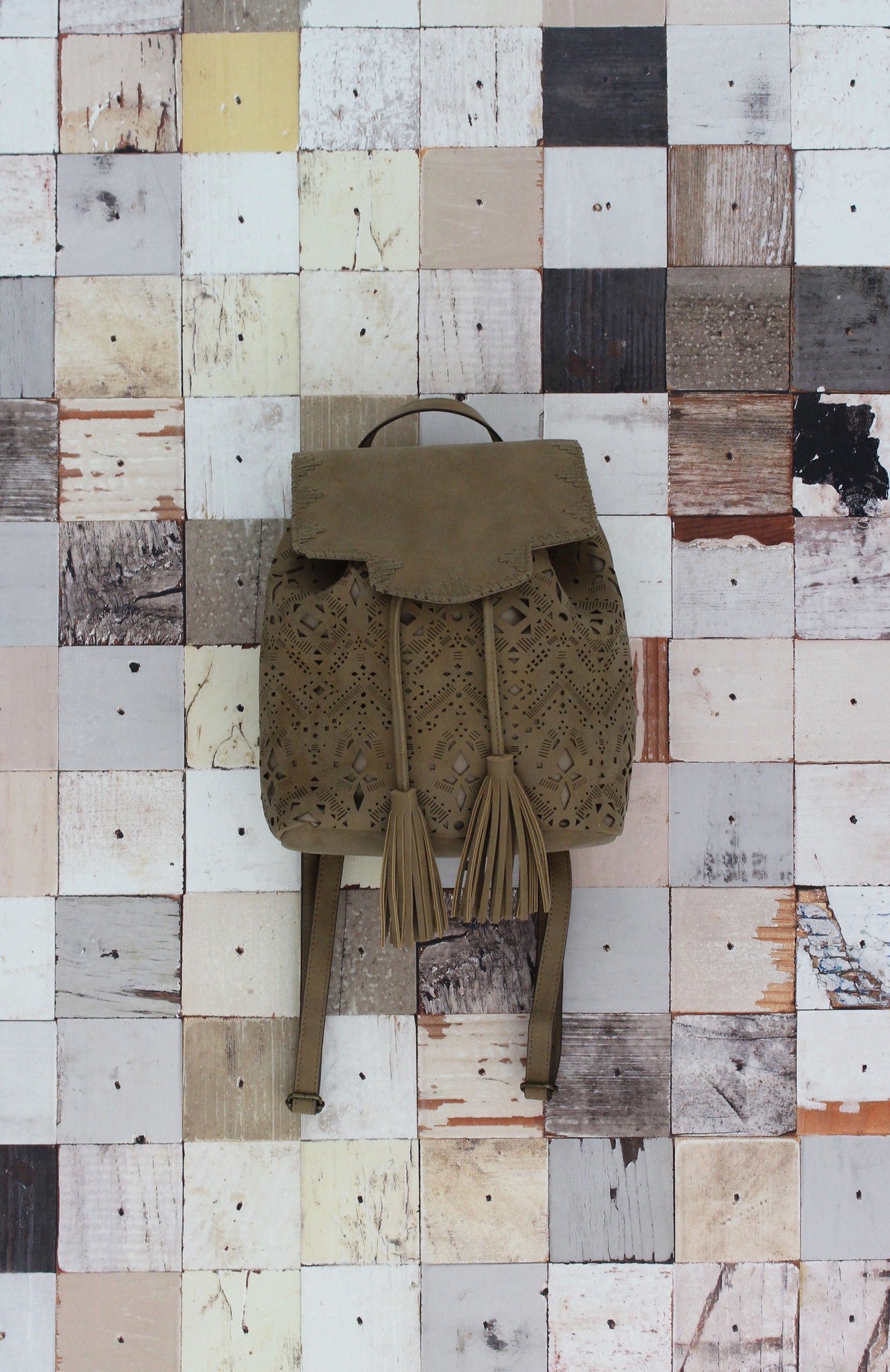 Verano Vibes Backpack In Tan
