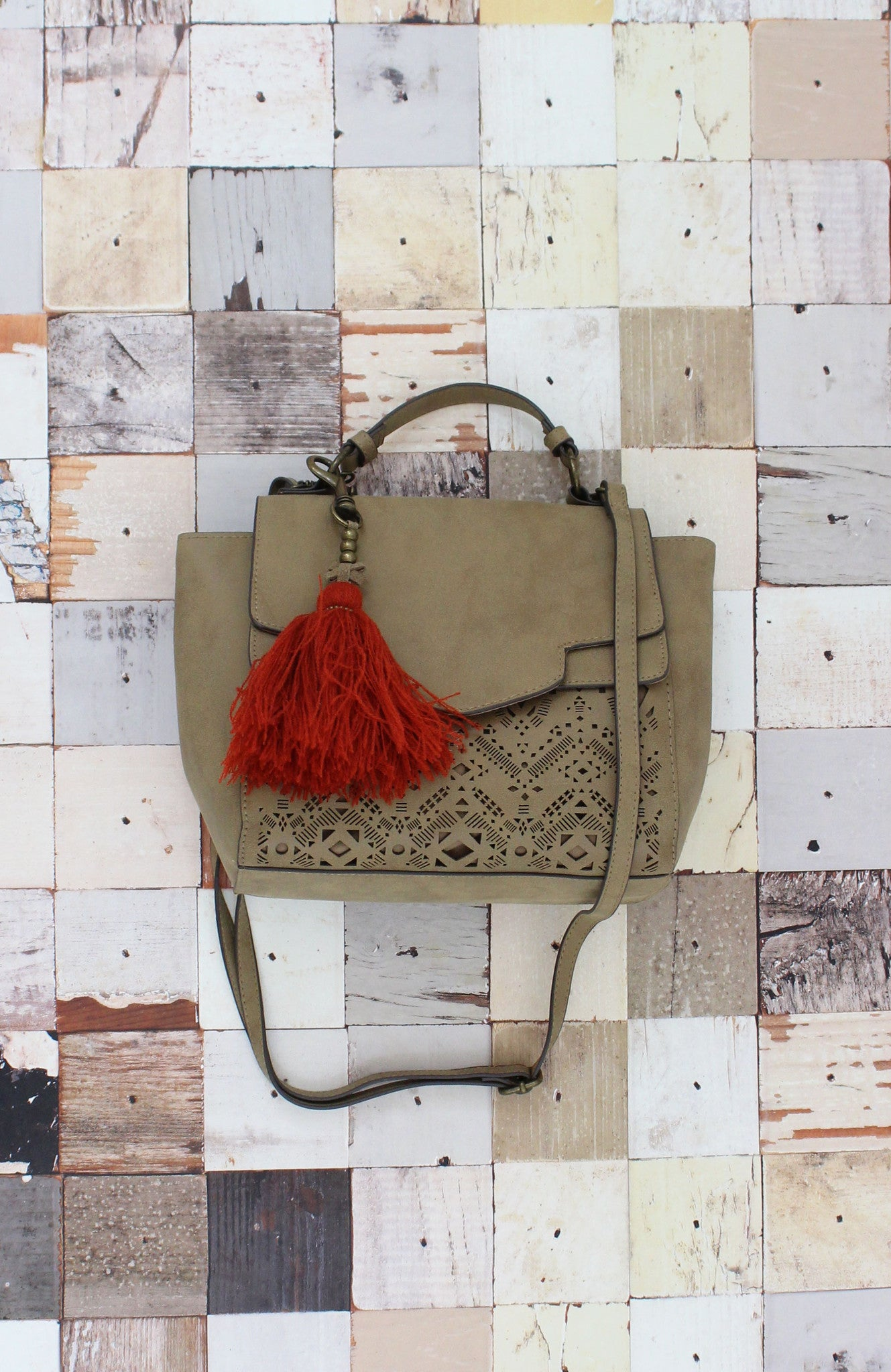 Verano Vibes Satchel in Tan