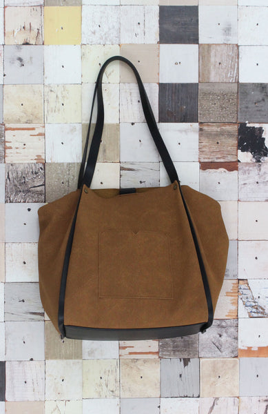 Traveler Tote in Husk