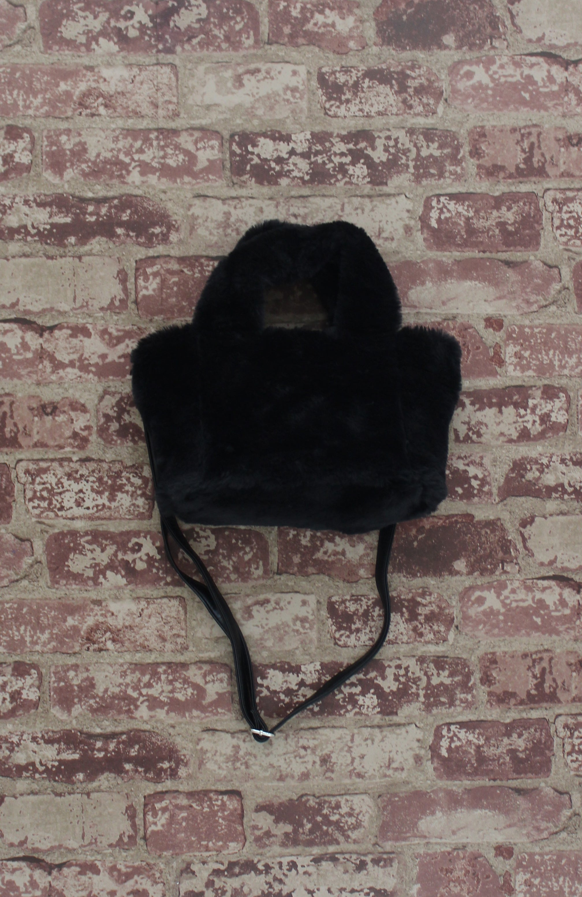 Cotton Candy Tote in Black