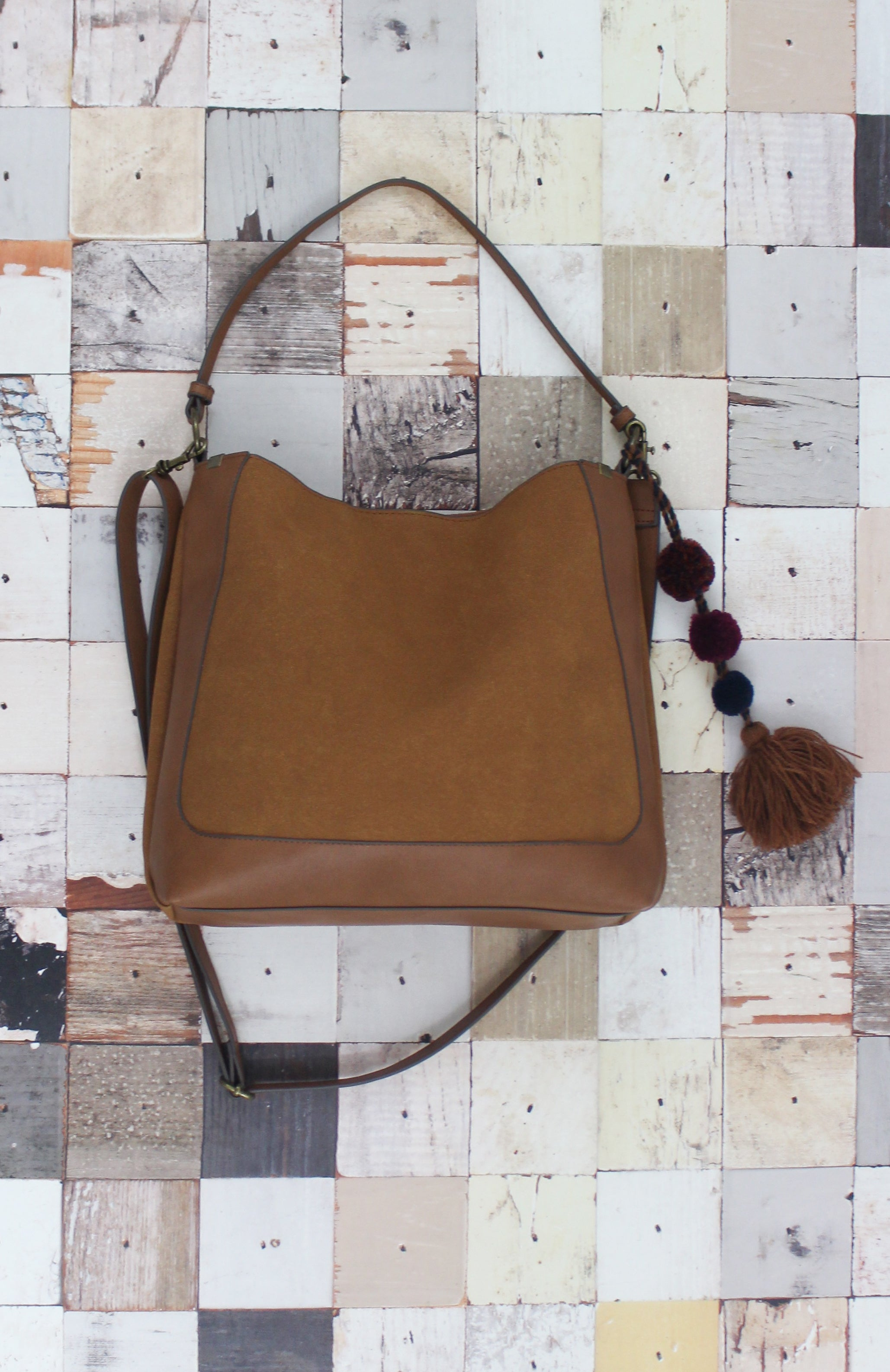 Dash Peak Hobo in Cognac