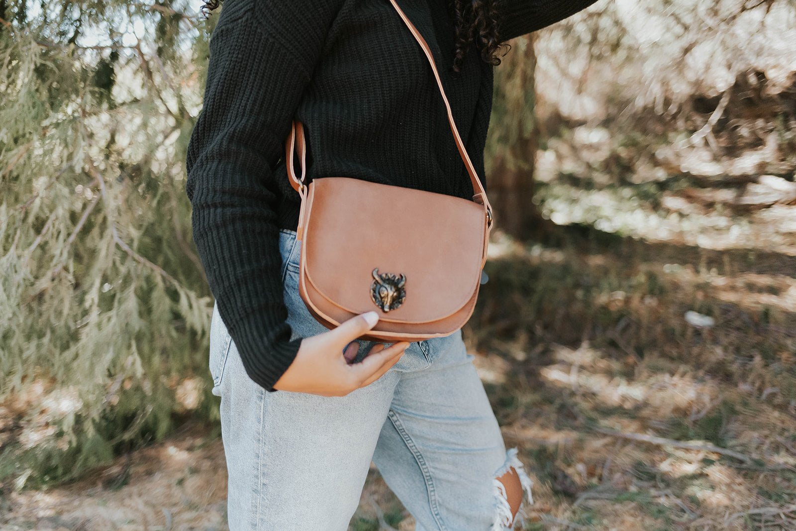 Bull Hardware Crossbody in Cognac