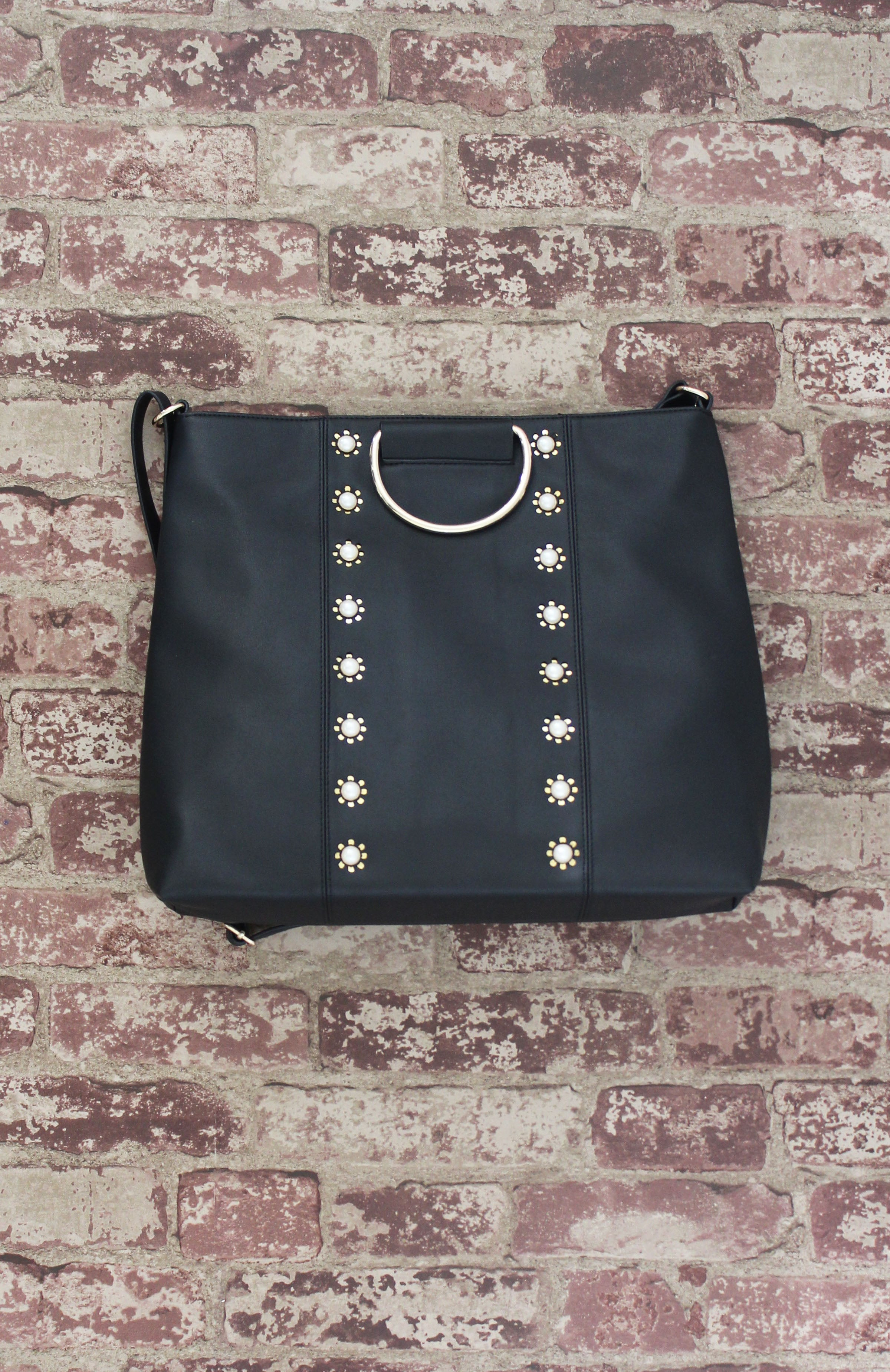 Pearled Ring Tote in Black