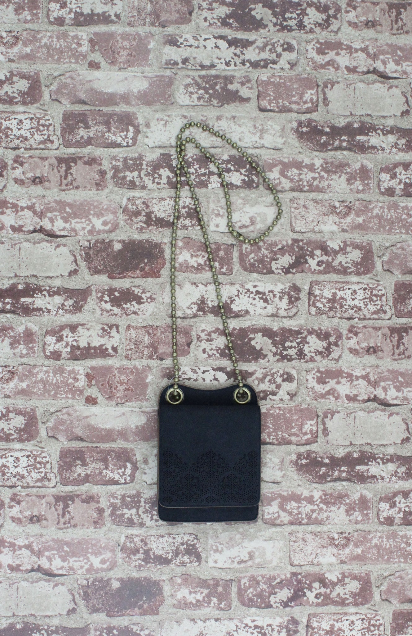 Perf Mini Crossbody In Black