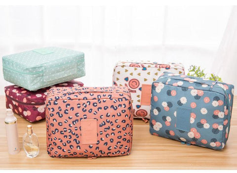 AdventuReady Store Toiletry Make Up Travel Organizer
