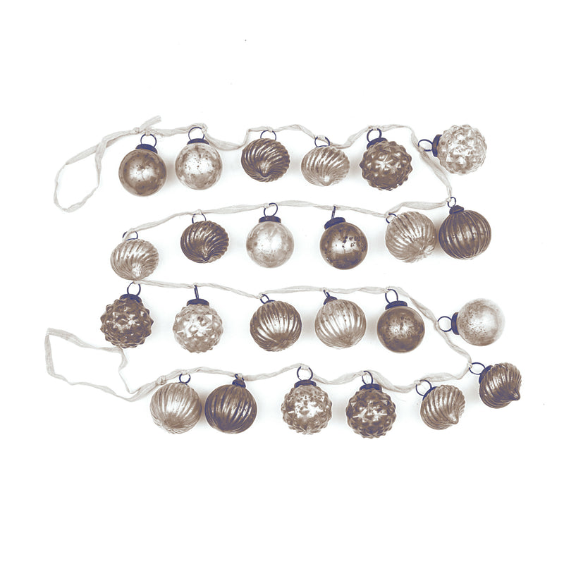 Embossed White & Grey Ornament Garland