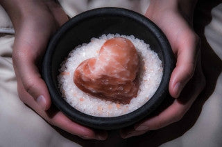Saltability Himalayan Salt Stone Massage Provides Waterless, Eco-Friendly Treatment for Spas