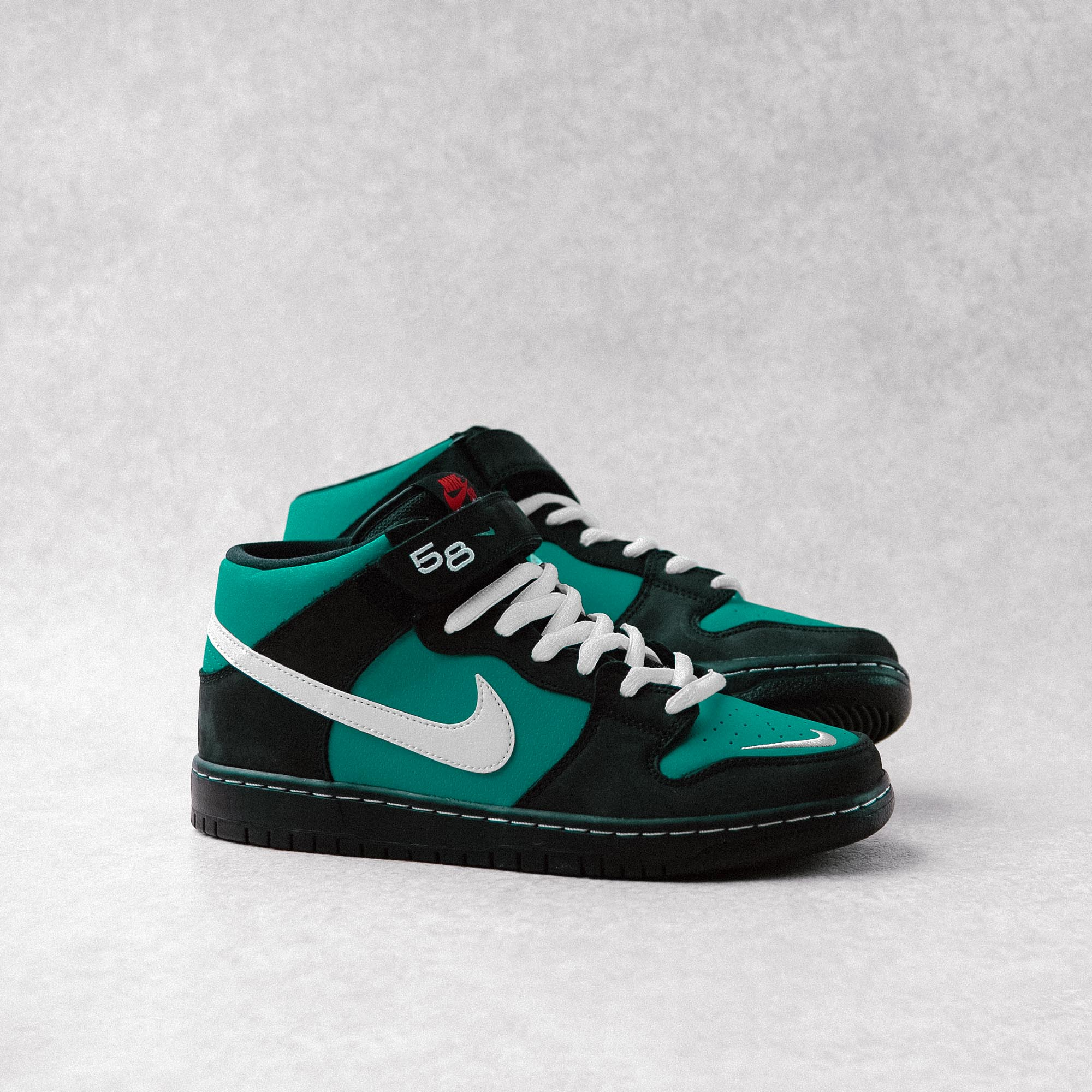 Nike SB Orange Label Dunk Mid Pro 'Griffey Jr' | Flatspot